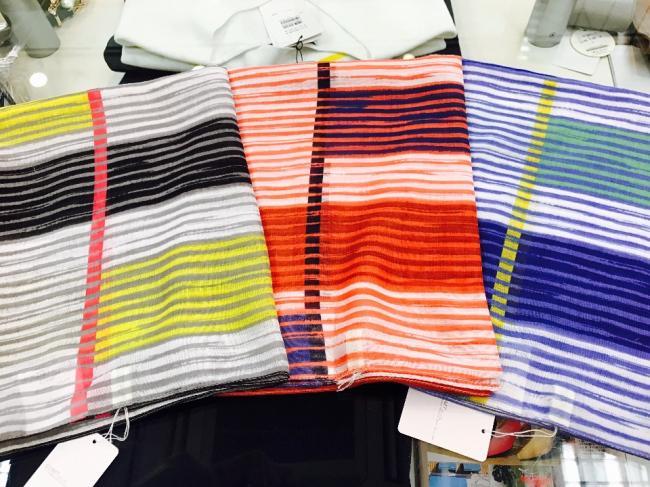 キレイ色の春スカーフ